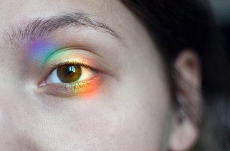 هل الألوان لها وجود حقيقي في الطبيعة أم هي مجرد وهم يخدعنا به دماغنا ؟